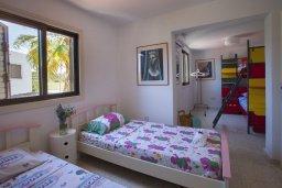 Спальня 3. Кипр, Санрайз Протарас : Красивая двухэтажная вилла с 3-мя спальнями,  с большим открытым бассейном, расположена в тихом месте Протараса и идеально подходит для семейного отдыха