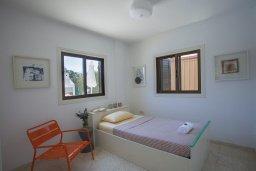 Спальня. Кипр, Санрайз Протарас : Красивая двухэтажная вилла с 3-мя спальнями,  с большим открытым бассейном, расположена в тихом месте Протараса и идеально подходит для семейного отдыха