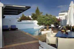 Патио. Кипр, Фиг Три Бэй Протарас : Потрясающая вилла класса люкс с 3-мя спальнями, окруженная прекрасным средиземноморским садом, расположена в тихом месте Протараса, на берегу моря
