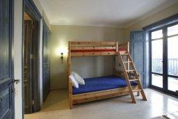 Спальня 2. Кипр, Фиг Три Бэй Протарас : Потрясающая вилла класса люкс с 3-мя спальнями, окруженная прекрасным средиземноморским садом, расположена в тихом месте Протараса, на берегу моря