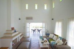 Гостиная. Кипр, Санрайз Протарас : Прекрасная вилла с 6-ю спальнями, с открытым частным бассейном, крытой верандой и панорамным видом на Средиземное море