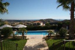 Зелёный сад. Кипр, Писсури : Новая вилла с 3-мя спальнями для 6-ти человек с панорамным видом на море и горы , с открытым плавательным бассейном.