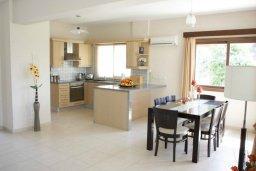 Кухня. Кипр, Писсури : Новая вилла с 3-мя спальнями для 6-ти человек с панорамным видом на море и горы , с открытым плавательным бассейном.
