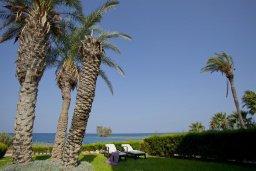 Территория. Кипр, Пернера Тринити : Красивый апартамент с 3-мя спальнями на берегу моря, с барбекю и частным патио, отлично подходит для семейного отдыха