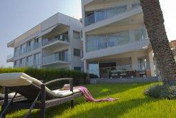 Фасад дома. Кипр, Пернера Тринити : Красивый апартамент с 3-мя спальнями на берегу моря, с барбекю и частным патио, отлично подходит для семейного отдыха