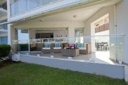 Балкон. Кипр, Пернера Тринити : Красивый апартамент с 3-мя спальнями на берегу моря, с барбекю и частным патио, отлично подходит для семейного отдыха