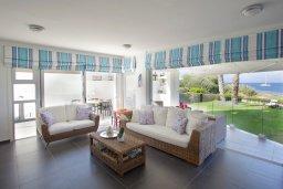 Гостиная. Кипр, Пернера Тринити : Красивый апартамент с 3-мя спальнями на берегу моря, с барбекю и частным патио, отлично подходит для семейного отдыха