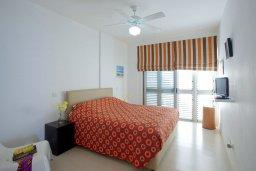 Спальня. Кипр, Пернера Тринити : Красивый апартамент с 3-мя спальнями на берегу моря, с барбекю и частным патио, отлично подходит для семейного отдыха