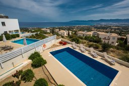 Бассейн. Кипр, Лачи : Прекрасная вилла с 3-мя спальнями, с панорамным видом на Средиземное море, с открытым плавательным бассейном, патио и барбекю