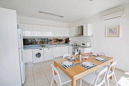 Кухня. Кипр, Лачи : Прекрасная вилла с 3-мя спальнями, с панорамным видом на Средиземное море, с открытым плавательным бассейном, патио и барбекю
