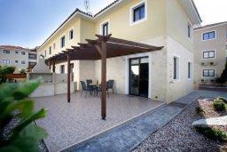 Вход. Кипр, Каппарис : Таунхаус с 2-мя спальнями и патио, в комплексе с открытым бассейном, спа-центром и тренажерным залом