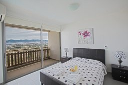 Спальня 2. Кипр, Лачи : Красивая современная вилла с 3-мя спальнями, с панорамным видом на Средиземное море и с частным бассейном