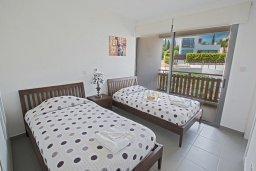 Спальня. Кипр, Лачи : Красивая современная вилла с 3-мя спальнями, с панорамным видом на Средиземное море и с частным бассейном
