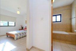 Спальня. Кипр, Санрайз Протарас : Современная вилла с 3-мя спальнями, с открытым частным бассейном и прекрасным садом с пальмами