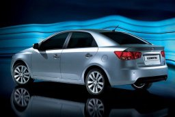 Kia Cerato 1.6 автомат : Кипр