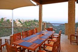 Кипр, Афродита Хиллз : Шикарная вилла с видом на море, с 5-ю спальнями, с бассейном, сауной и тренажерным залом, расположена в Афродита Хиллз