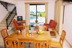 Кипр, Киссонерга : Вилла с 3-мя спальнями, с бассейном, приватным двориком с патио и барбекю, расположена в Coral Bay