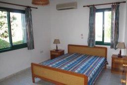 Спальня. Кипр, Полис город : Уютная вилла с 2-мя спальнями, с бассейном, тенистой террасой с патио и барбекю, расположена в Лачи