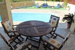 Терраса. Кипр, Полис город : Комфортабельная вилла с 2-мя спальнями, с бассейном, тенистой террасой с патио и барбекю, расположена в Лачи