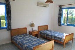 Спальня 2. Кипр, Полис город : Вилла с 2-мя спальнями, с бассейном, зелёной территорией, с патио и барбекю, расположена в Лачи