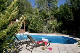 Кипр, Милиу : Прекрасная вилла с 2-мя спальнями, с бассейном, беседкой с патио, джакузи и барбекю, расположена в Милиу