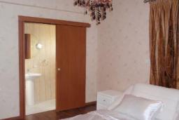 Кипр, Мутаяка Лимассол : Вилла с 3-мя спальнями, с бассейном, тренажерным залом и барбекю, расположена в Лимассоле