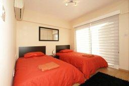 Спальня. Кипр, Гермасойя Лимассол : Апартамент в 20 метрах от пляжа, с гостиной и двумя отдельными спальнями, для 4 человек