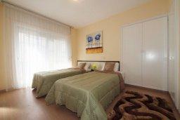 Спальня 3. Кипр, Гермасойя Лимассол : Двухуровневый апартамент в 20 метрах от пляжа, с балконом, террасой и шикарным видом на море, с большой гостиной, четырьмя отдельными спальнями, тремя ванными комнатами, для 8 человек