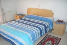 Кипр, Омодос : Апартамент с гостиной и спальней, для 5 человек