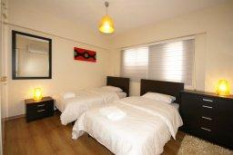 Спальня 2. Кипр, Гермасойя Лимассол : Апартамент в 20 метрах от пляжа, с гостиной и двумя отдельными спальнями, для 4 человек