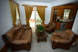 Гостиная. Кипр, Декелия - Ороклини : Двухэтажная вилла недалеко от пляжа, 3 спальни, 2 ванные комнаты, Wi-Fi