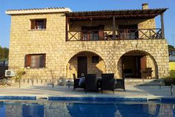 Кипр, Полеми : Прекрасная вилла с 2-мя спальнями, с бассейном и патио, расположена в Полеми