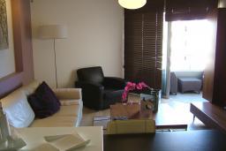 Кипр, Гермасойя Лимассол : Апартамент в 15 метрах от пляжа, с гостиной и отдельной спальней, для 2 человек