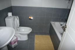 Кипр, Мутаяка Лимассол : Апартамент 3 спальни, 2 ванные, 2 этаж