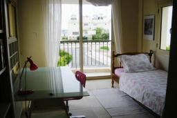 Спальня 2. Кипр, Декелия - Ороклини : Вилла с 4-мя спальнями, зелёным садом и детской площадкой расположена в Ларнаке