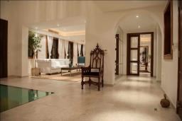 Гостиная. Кипр, Св. Рафаэль Лимассол : Шикарная вилла с видом на море, с 4-мя спальнями, с бассейном, беседкой и барбекю, расположена в Лимассоле