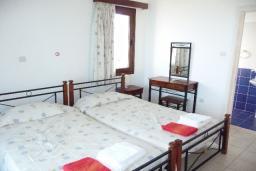 Кипр, Аргака : Комфортабельная вилла с панорамным видом на море, с 4-мя спальнями,  с бассейном, патио и барбекю, расположена в Полисе