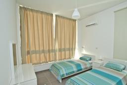 Кипр, Аргака : Уютная вилла с панорамным видом на море, с 4-мя спальнями,  с бассейном, патио и барбекю, расположена в Полисе
