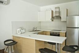 Кипр, Центр Лимассола : Апартамент в 70 метрах от пляжа, с гостиной и отдельной спальней, для 2 человек