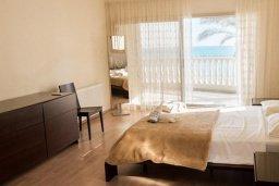 Спальня 3. Кипр, Декелия - Ороклини : Потрясающая вилла на побережье Ларнаки с видом на море, с 5-ю спальнями, с бассейном, уютным патио и барбекю