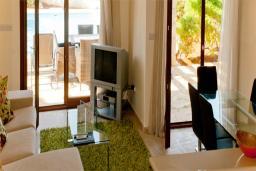 Кипр, Афродита Хиллз : Вилла с 3-мя спальнями, с бассейном, зелёной территорией, барбекю, расположена в Афродита Хиллз
