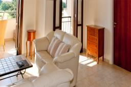 Кипр, Афродита Хиллз : Апартамент с гостиной и отдельной спальней, для 2 человек