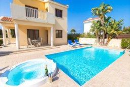 Фасад дома. Кипр, Сиренс Бич - Айя Текла : Роскошная вилла с 2-мя спальнями, с бассейном и джакузи, с патио и барбекю