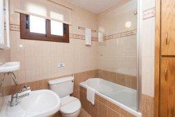Ванная комната. Кипр, Сиренс Бич - Айя Текла : Роскошная вилла с 2-мя спальнями, с бассейном и джакузи, с патио и барбекю