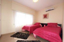 Спальня 2. Кипр, Айос Тихонас Лимассол : Апартамент в комплексе с бассейном, с гостиной и двумя отдельными спальнями, для 4 человек