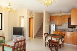 Гостиная. Кипр, Декелия - Ороклини : Уютная вилла с 2-мя спальнями расположена в Ларнаке