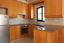 Кухня. Кипр, Декелия - Ороклини : Уютная вилла с 2-мя спальнями расположена в Ларнаке