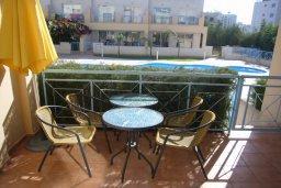 Балкон. Кипр, Гермасойя Лимассол : Мезонет с гостиной и двумя отдельными спальнями
