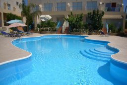 Бассейн. Кипр, Гермасойя Лимассол : Мезонет с гостиной и двумя отдельными спальнями