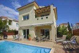 Фасад дома. Кипр, Пернера Тринити : Уютная вилла с 3-мя спальнями, с большим частным бассейном и барбекю,  расположена в тихом районе Протараса